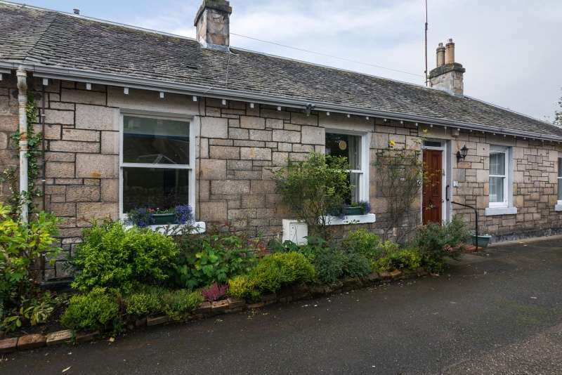2 Bedrooms Cottage House for sale in Kingston Avenue, Liberton, Edinburgh, EH16 5SP