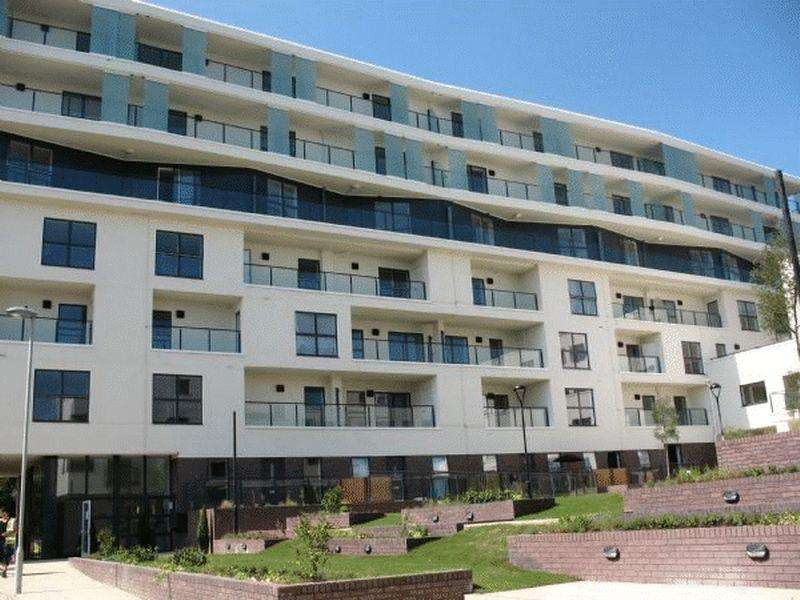 1 Bedroom Flat for sale in Ravensbourne Court, Amias Drive, EDGWARE, Middlesex, HA8 8EY