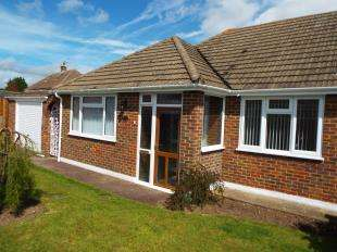 2 Bedrooms Bungalow for sale in Orchard Close, Coxheath, Maidstone, Kent