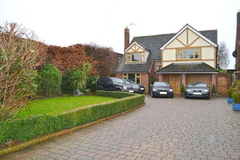 5 Bedrooms Detached House for sale in Stratfield Drive, Broxbourne EN10