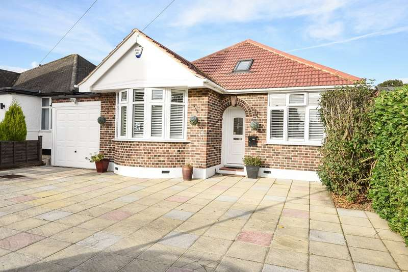 3 Bedrooms Detached Bungalow for sale in Woodford Crescent, Pinner