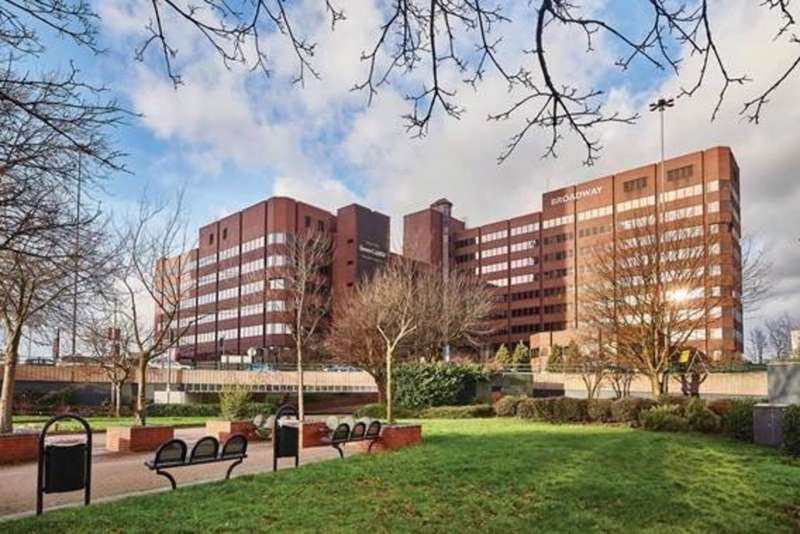 2 Bedrooms Flat for sale in Broad Street, Birmingham, B15