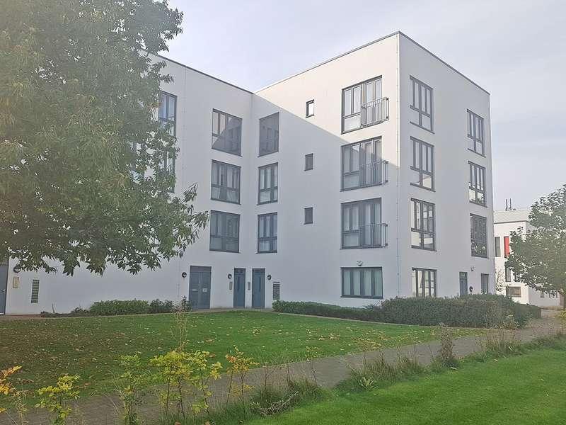 2 Bedrooms Ground Flat for sale in Penn Way, Welwyn Garden City, AL7