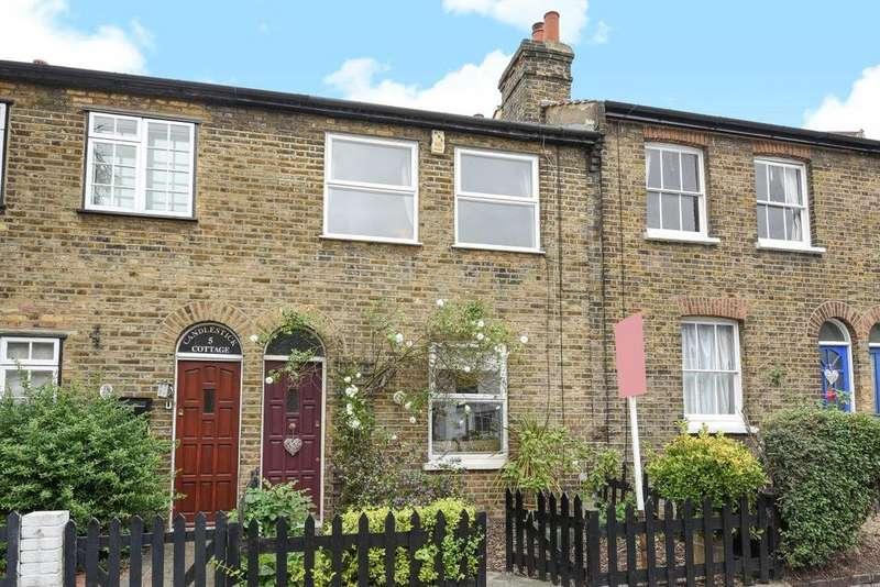 2 Bedrooms Terraced House for sale in Park Road, Chislehurst