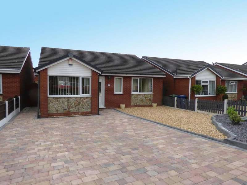4 Bedrooms Detached Bungalow for rent in 18 Kinross Avenue, Hednesford, WS12 4SB
