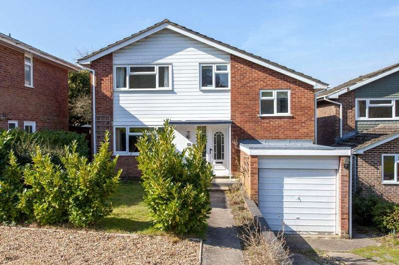4 Bedrooms Detached House for sale in The Brackens, High Wycombe, Buckinghamshire, HP11