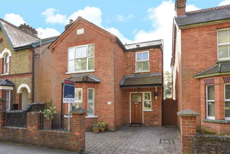 3 Bedrooms Detached House for sale in Bond Street, Englefield Green