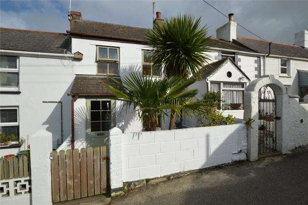 2 Bedrooms Terraced House for sale in Caroline Row, Hayle, Cornwall