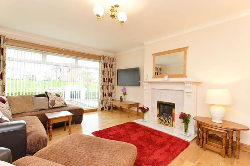 4 Bedrooms Detached House for sale in Wester Moffat Crescent, Airdrie, North Lanarkshire, ML6 8LX