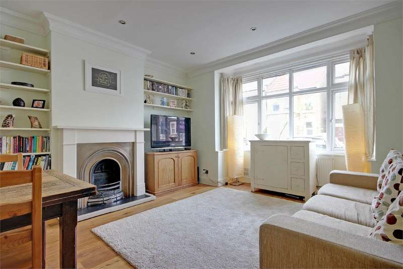 2 Bedrooms Flat for sale in Mattison Road, Stroud Green, London