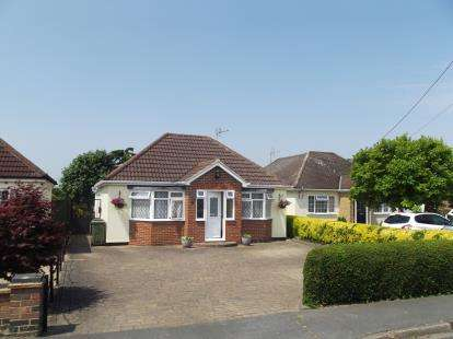 2 Bedrooms Bungalow for sale in Cressing, Braintree