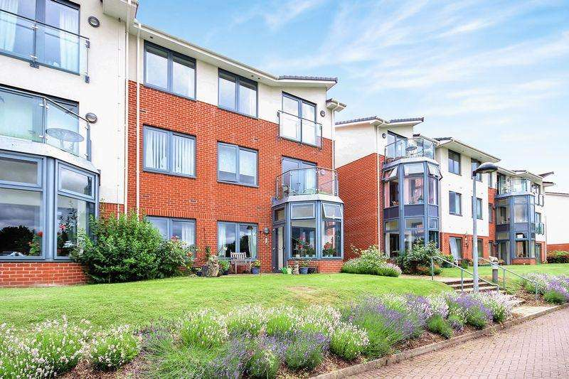 2 Bedrooms Apartment Flat for sale in THE ROSE GARDENS