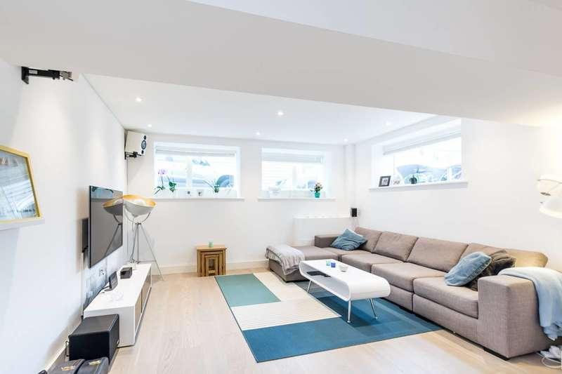 1 Bedroom Flat for sale in Stewarts Road, Battersea, SW8