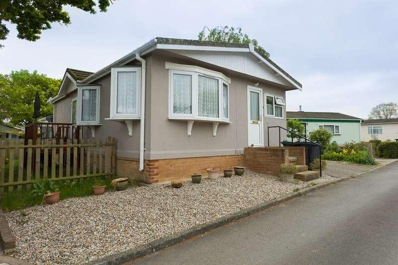 2 Bedrooms Park Home Mobile Home for sale in sherkoak park, woodchurch, Kent, TN26