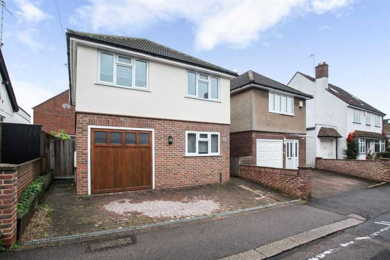 3 Bedrooms Detached House for sale in Field Road, Watford