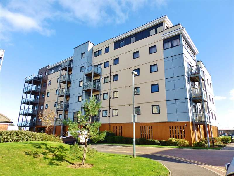 2 Bedrooms Apartment Flat for sale in Scotney House, Groombridge Avenue, Eastbourne