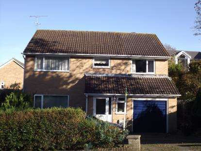 4 Bedrooms Detached House for sale in Branksome, Poole