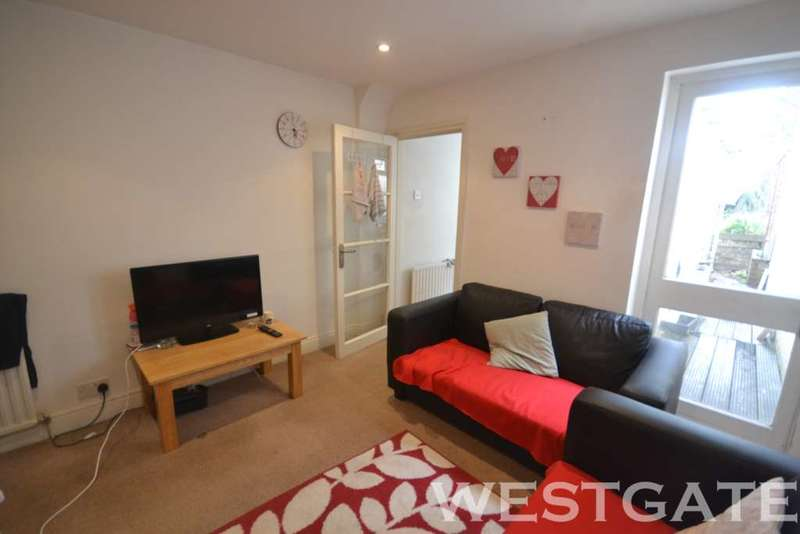 3 Bedrooms Terraced House for rent in Queens Road, Reading