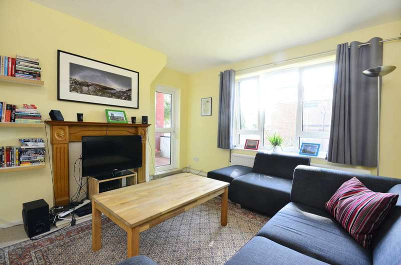 2 Bedrooms Flat for sale in Thornton Gardens, Balham, SW12