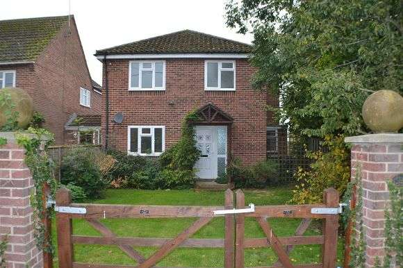 3 Bedrooms Detached House for sale in Manor View, Brimpton Road, Brimpton, Reading