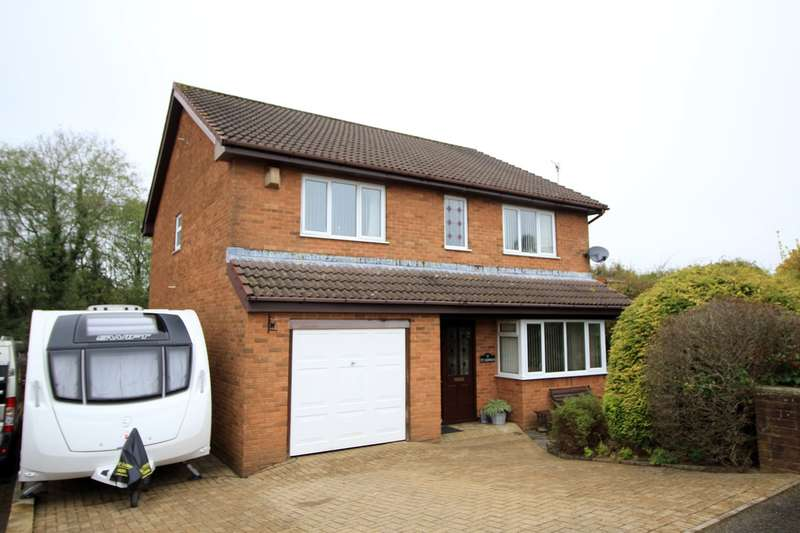 4 Bedrooms Detached House for sale in Christchurch Road, Penmaen, Blackwood, NP12