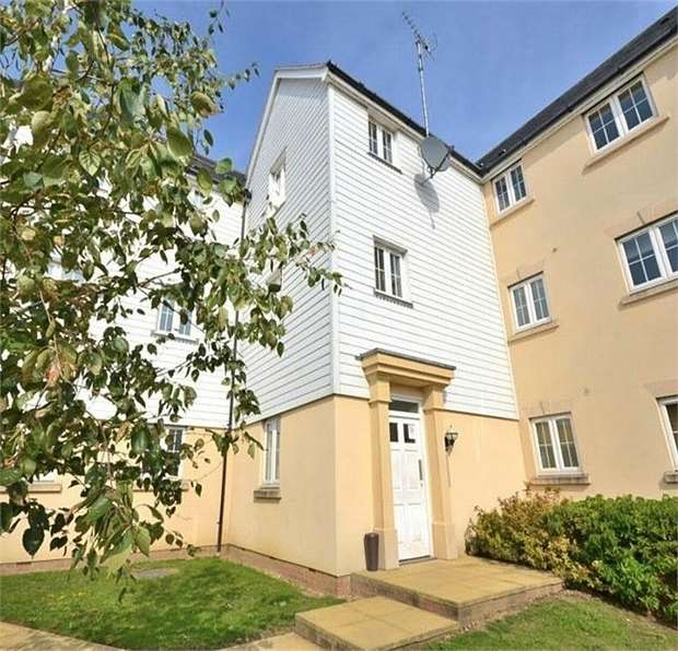 2 Bedrooms Flat for sale in Flitch Green, Dunmow, Essex