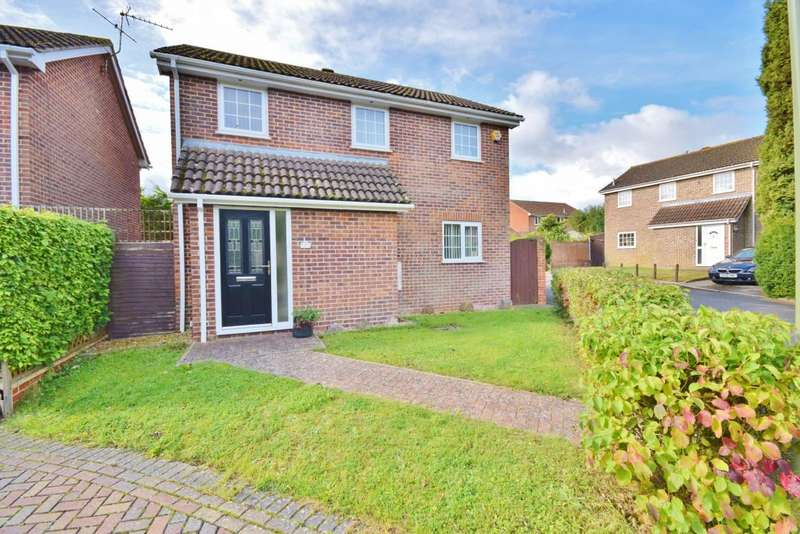 3 Bedrooms Detached House for sale in Roman Park, Basingstoke, RG23