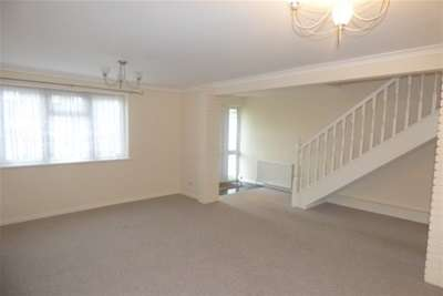 3 Bedrooms House for rent in Alton Gardens, Southend On Sea