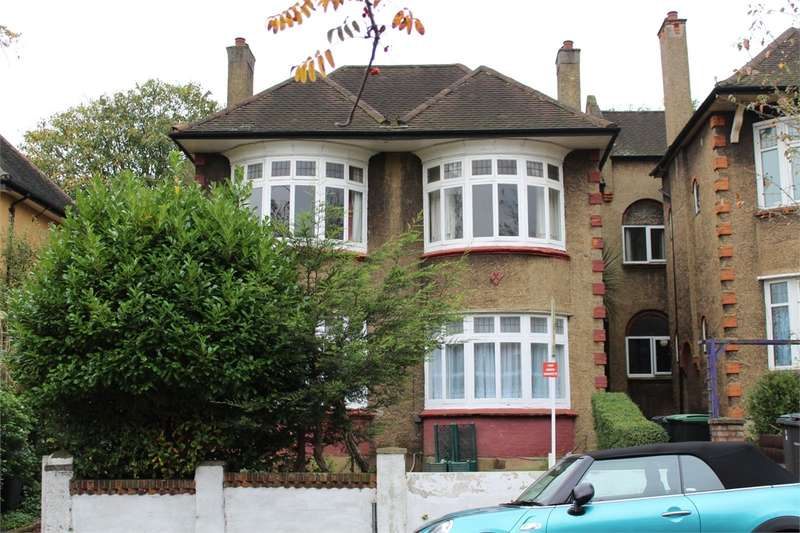 3 Bedrooms Flat for sale in Dukes Avenue, Muswell Hill, London, N10