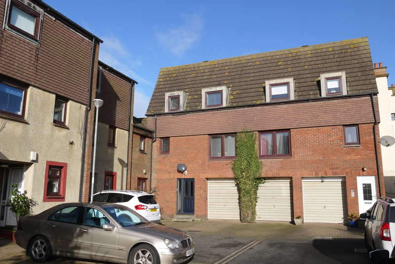 2 Bedrooms Town House for sale in Links Road, Prestwick, KA9