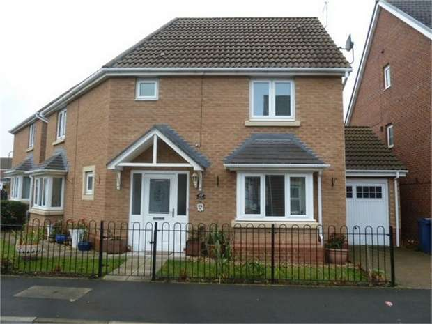 3 Bedrooms Detached House for sale in Olwen Drive, Hebburn, Tyne and Wear