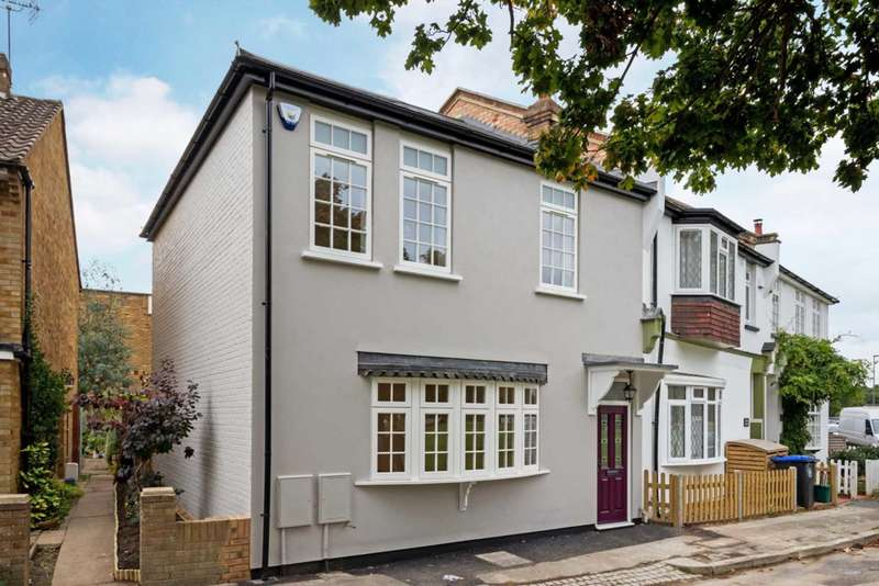 3 Bedrooms Semi Detached House for sale in Pond Cottage, Weston Green