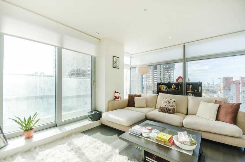 2 Bedrooms Flat for sale in Pan Peninsula Square, Isle Of Dogs, E14