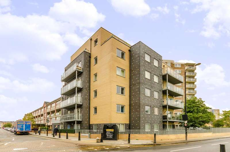 2 Bedrooms Flat for sale in Broomfield Street, Limehouse, E14