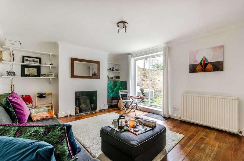 1 Bedroom Flat for sale in Brackenbury Road, Brackenbury Village, W6