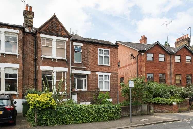 2 Bedrooms Flat for sale in Kirkside Road Blackheath SE3