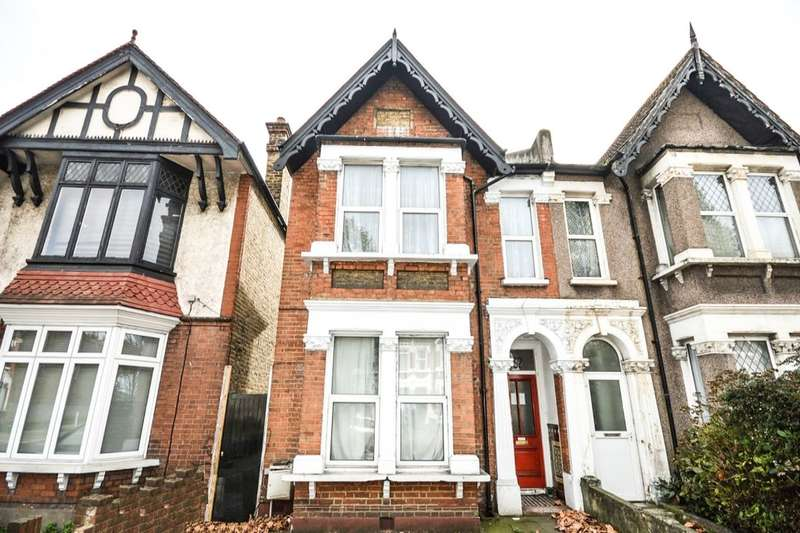 2 Bedrooms Flat for sale in Brownhill Road, London, SE6
