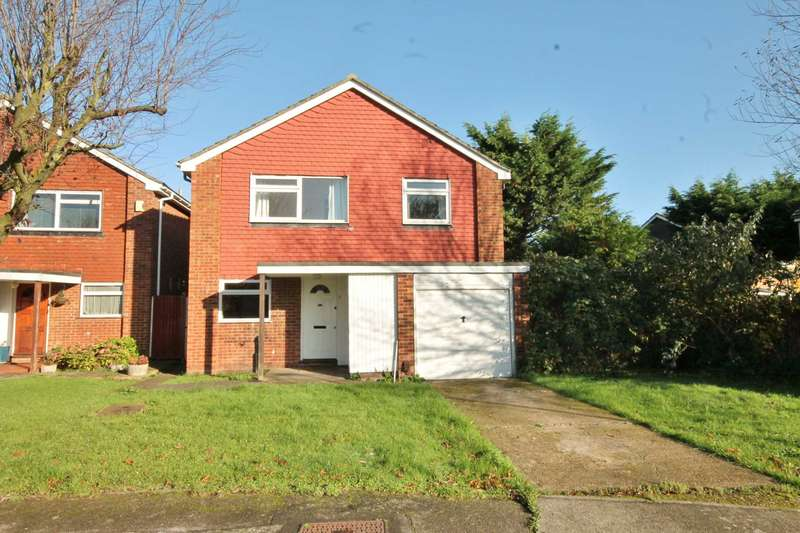 4 Bedrooms Detached House for sale in Kingswood Close, New Malden