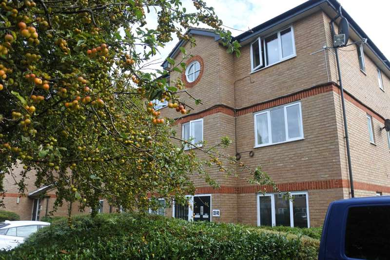 2 Bedrooms Flat for sale in Harrier Way, Beckton, E6 5YX