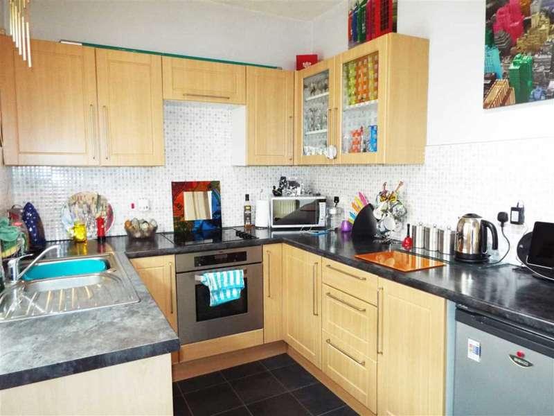 2 Bedrooms Terraced House for sale in Lower Street, Rochdale