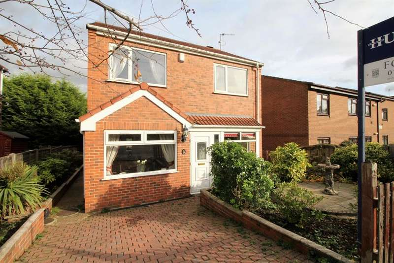 3 Bedrooms Detached House for sale in Sussex Avenue, Horsforth, LS18