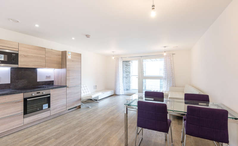 3 Bedrooms Apartment Flat for rent in Pell Street, Surrey Quays,SE8