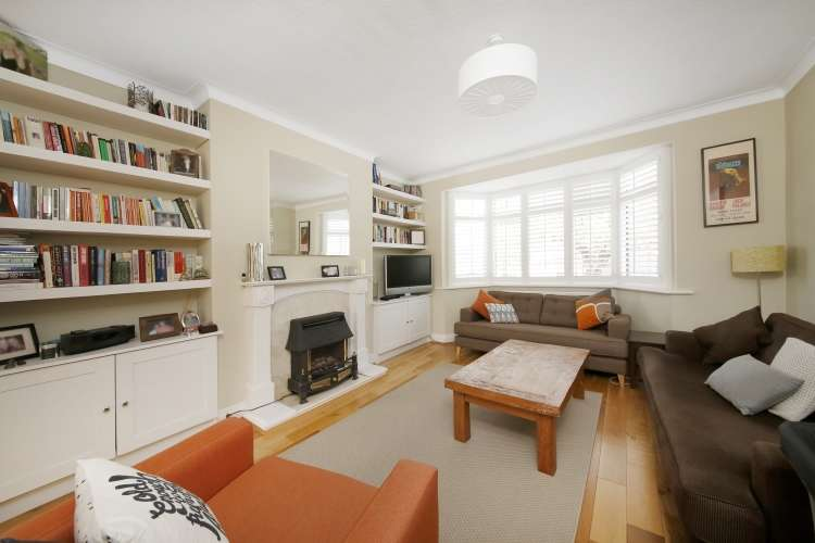 3 Bedrooms Semi Detached House for sale in Verdant Lane Catford SE6