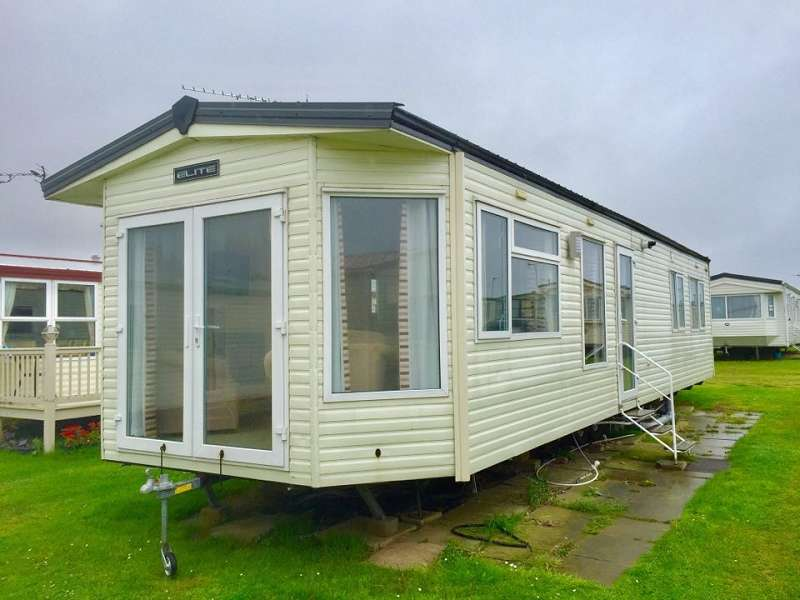 2 Bedrooms Mobile Home for sale in California Cliffs Holiday Park, Great Yarmouth, Norfolk, NR29 3QU