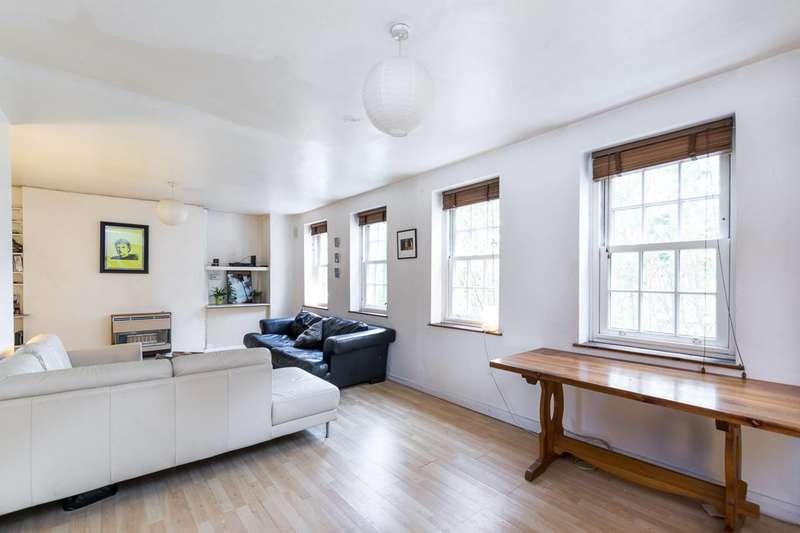 3 Bedrooms Flat for sale in Black Prince Road, Kennington, SE11
