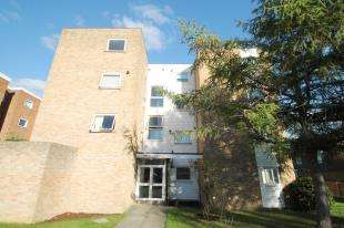 2 Bedrooms Flat for sale in Hawthorn Court, 148 St. James Road, Sutton, Surrey