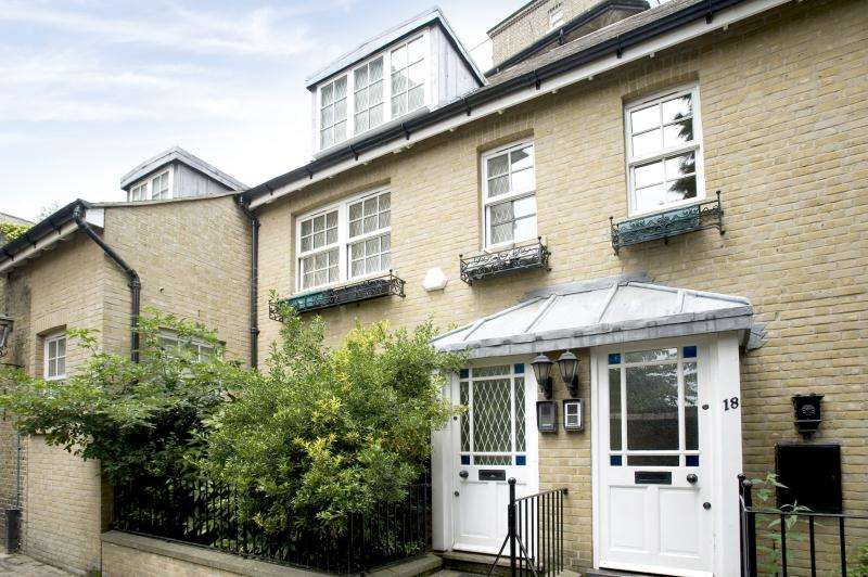 3 Bedrooms House for sale in Streatley Place, Hampstead Village