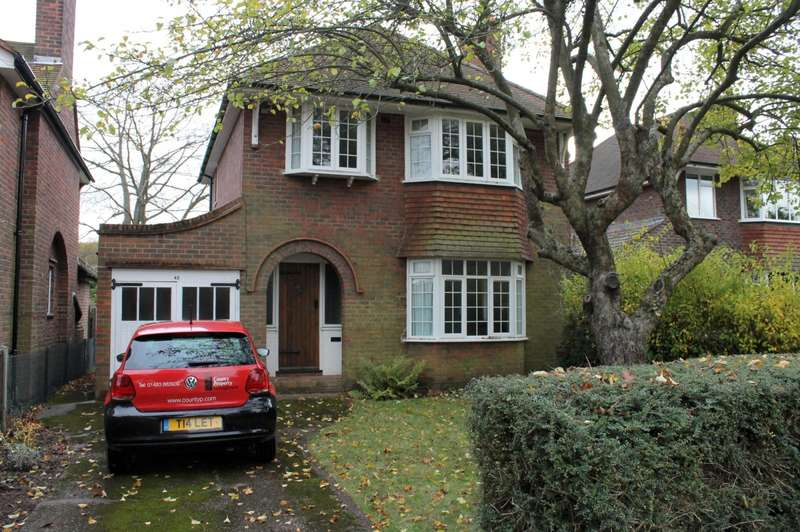 3 Bedrooms House for rent in 3 bedroom Detached House in Horsell