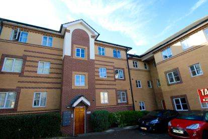 2 Bedrooms Flat for sale in The Stepping Stones, St Annes Park, Bristol