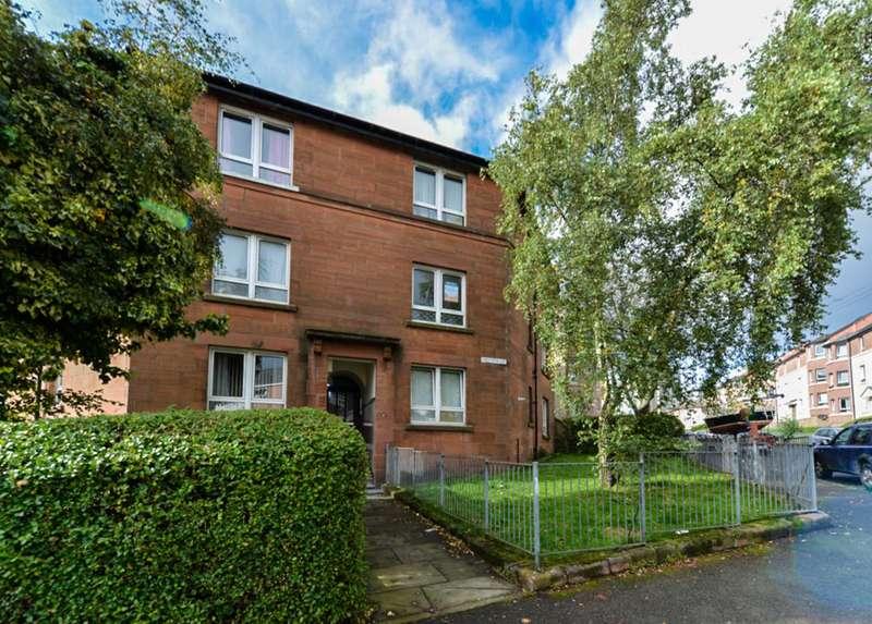 2 Bedrooms Flat for sale in Raploch Avenue, Glasgow